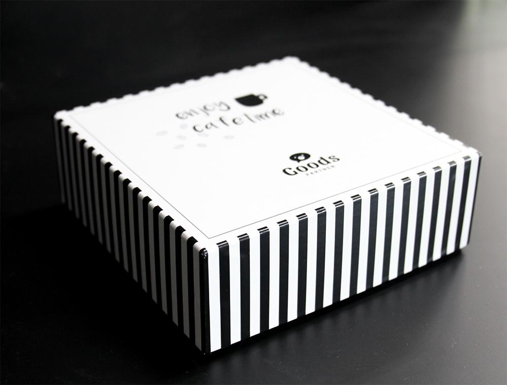 写真:パッケージ箱